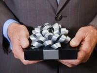 Как выбрать подарок руководителю